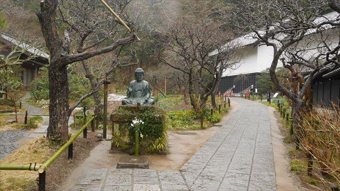 東慶寺 駆け出し女と駆け込み男 舞台 鎌倉 仏様