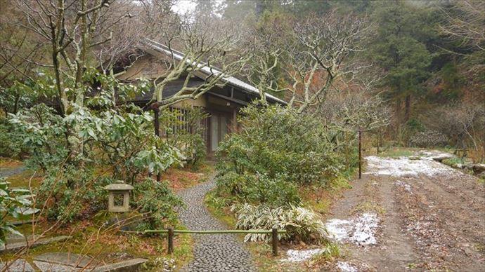 東慶寺 駆け出し女と駆け込み男 舞台 鎌倉 茶室